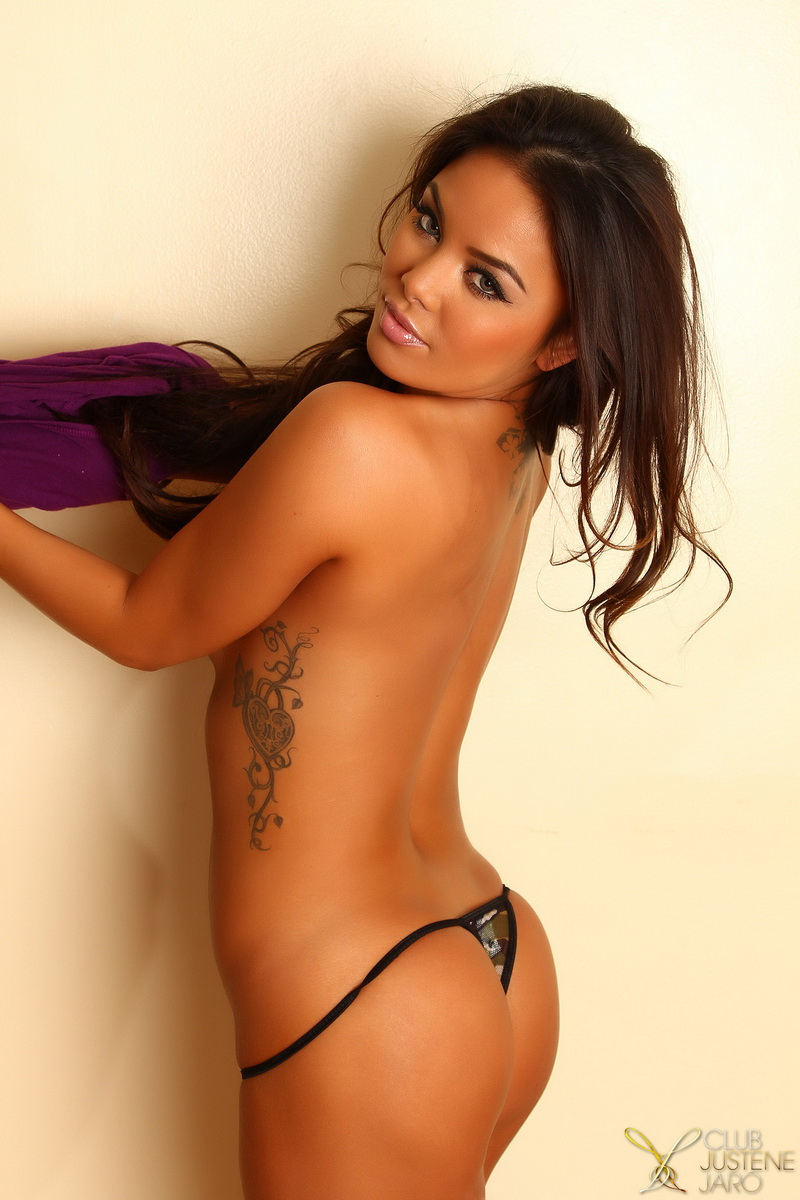 Sexy babe Justene Jaro teases with her perfect curves in a tiny top